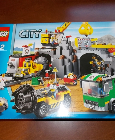 Lego City 4204 The Mine Brand New Sealed