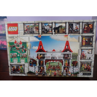 Brand New Factory Sealed = Lego Kingdoms Joust 10223