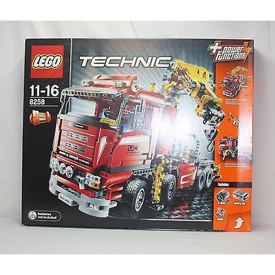 New Lego Technic 8258 Crane Truck from 2009 SEALED