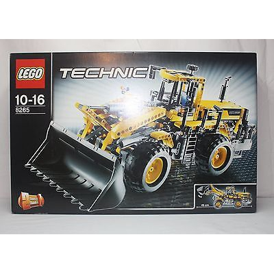 New Lego Technic 8265 Front Loader from 2009 SEALED