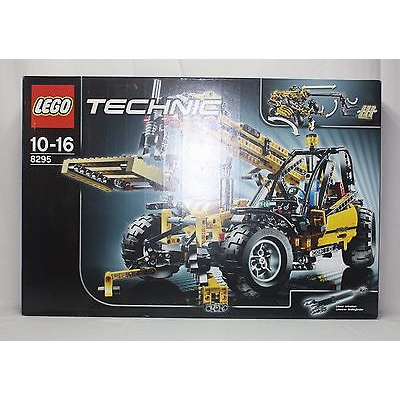 New Lego Technic 8295 Telescopic Handler from 2008 SEALED