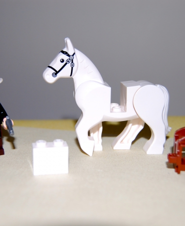 Lone Ranger and Silver (White Rearing Horse) with 2 Revolvers and saddle, loose, New Lego.