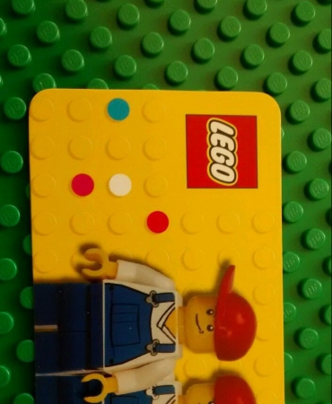 Business Card Holder with Usable Lego Business Card 850425
