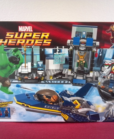 Lego Superhero 6868 Hulk Helicarrier Breakout