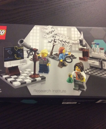 LEGO 21110 Research Institute