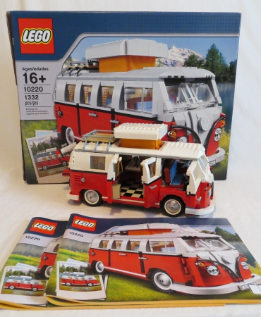 LEGO EXCLUSIVE SET 10220 VOLKSWAGEN T-1 CAMPER VAN USED COMPLETE WITH INSTRUCTIONS AND BOX