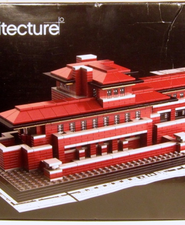 Robie House 21010 - Lego Architecture - New - Damaged Box - Free USA shipping