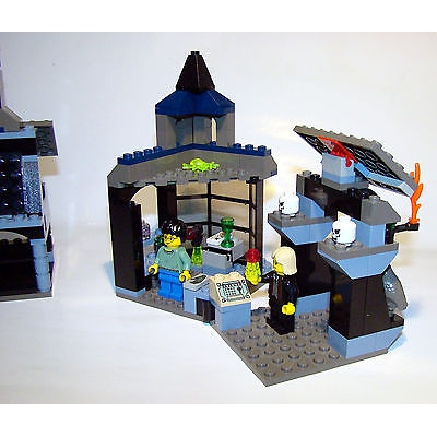 Lego  KNOCTURN ALLEY Set # 4720 Harry Potter Prisoner of Azkaban 100% Complete