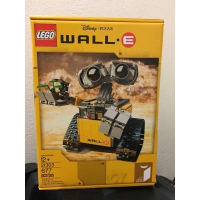 21303  Wall-E Set