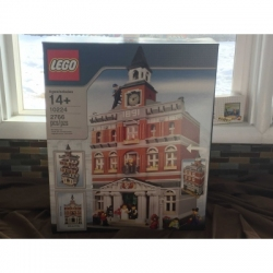 LEGO Creator Town Hall (10224) New Sealed Box
