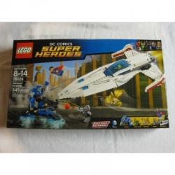 Lego 76028 Darkseid Invasion - Superman, Green Arrow, Cyborg - FREE SHIPPING