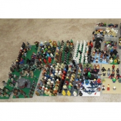 Huge Lego Minifigure collection over 400 figures, partials too