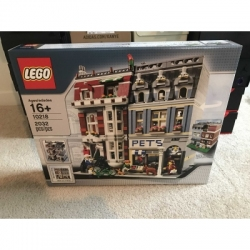 LEGO 10218 PET SHOP MODULAR - RETIRED - BRAND NEW IN SEALED BOX